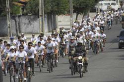 Passeio de bicicleta pelo meio ambiente e pela educação