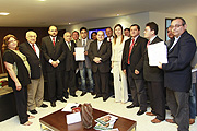 Assembleia intermedeia negociações entre Governo do Estado e APEOC