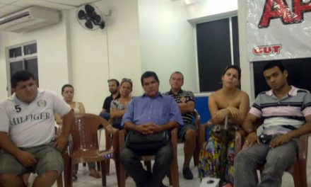 Informes sobre a assembléia de sábado dia 02-04-2011, realizado no auditório do Sindicato APEOC
