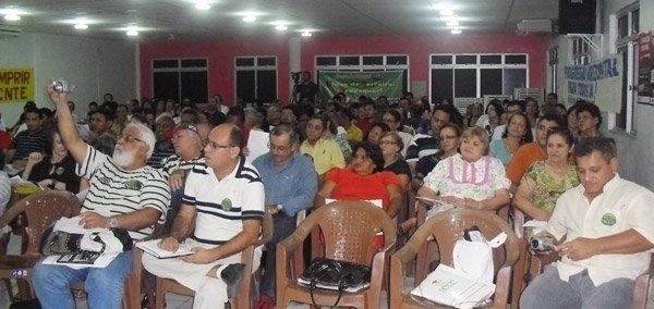 Auditório do Sindicato APEOC lotado em debate sobre piso salarial pós decisão do STF