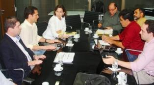Governo e professores discutem propostas para valorização do Magistério