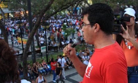 Professores realizam marcha pelo piso salarial