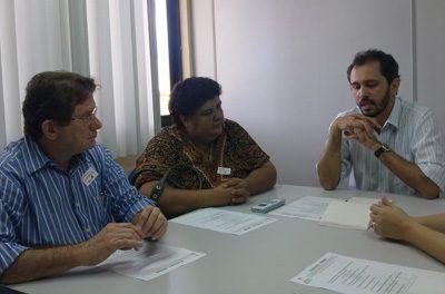 Secretário da SME recebe o Sindicato-APEOC
