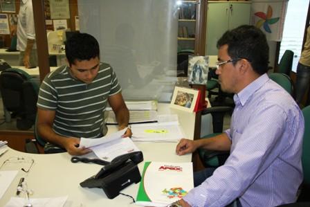 Recursos do Fundeb para os professores, nomeação dos recém convocados e federalização da carreira docente