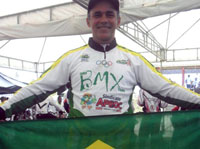 Com apoio APEOC, professor é um dos vencedores da Copa Brasil BMX 2012