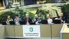 Assembleia aprova, por unanimidade, as leis de valorização do magistério