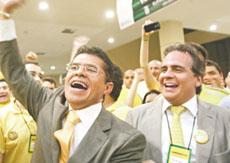 Valdetário é reeleito presidente da OAB-CE e visita APEOC