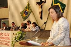 Sindicato APEOC recebe homenagem na Assembleia*