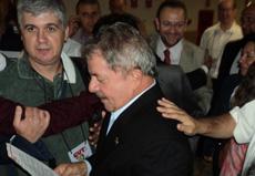 Anízio Melo entrega documento a Lula e Secretário-Geral da Presidência da República