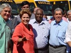 Dilma promete usar recursos dos royalties na educação