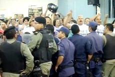 Projeto que reduz salário de docentes gera tumulto na câmara de Juazeiro