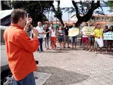 Apeoc solidária com professores e alunos no bairro Vila União