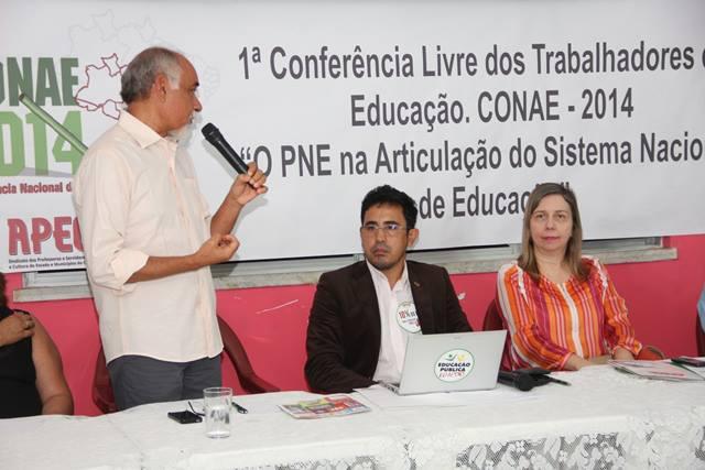 Profissionais da Educação e Estudantes lotam auditório da APEOC em Conferência sobre PNE e CONAE 2014