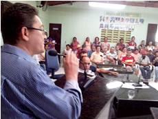 Palhano: Profissionais da educação decidem pela continuidade da greve