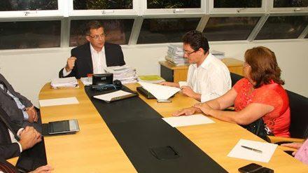 Ampliação Definitiva Mag, Extra Classe, Liminares de Carga Horária e Ampliação Grupo ADO, foram discutidos em reunião PGE/APEOC