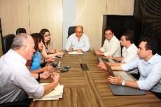 Comissão APEOC- SEDUC de Negociação em reunião