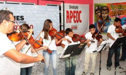 APEOC lançou nesta segunda Campanha pela Valorização dos Profissionais da Educação