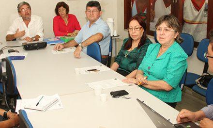 Sindicato APEOC participa da reunião do Conselho Municipal de Educação de Fortaleza