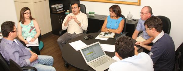 Comissão Técnica APEOC-SEDUC aprofunda análise sobre números do FUNDEB 2013