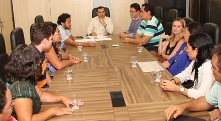 Audiência APEOC, SEDUC e Escola Jose Valdo Ribeiro Ramos reverte processo de municipalização
