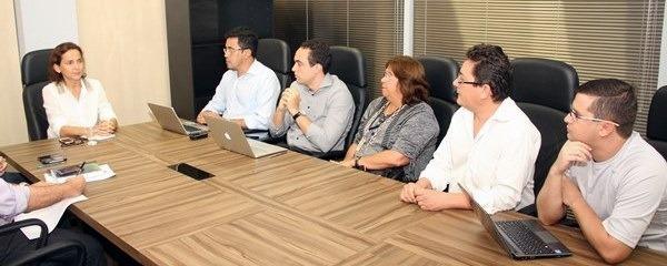 Continuamos avançando: Comissão Geral define princípios para aplicação da Lei Apeoc (15.064/2011) em 2013