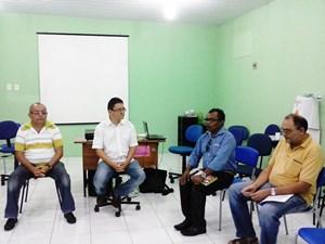 CEJA Moreira Campos:APEOC visita profissionais da educação em Encontro Pedagógico com Educadores