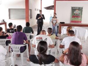 Camocim: APEOC se reúne com concursados