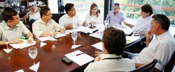 APEOC com Governador: Pauta Emergencial dos Profissionais da Educação é discutida