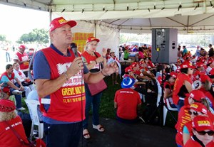 GREVE NACIONAL: APEOC nas mobilizações em Brasília