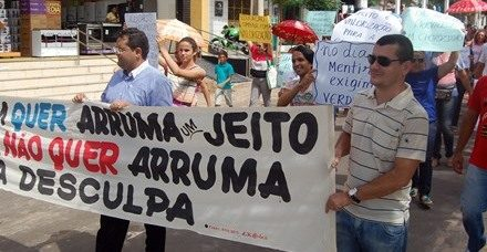 No dia da mentira, APEOC Chorozinho pede compromisso e seriedade da administração