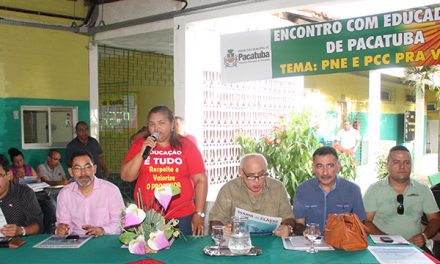 Anízio Melo em Pacatuba com Profissionais da Educação (PNE, PCCS)