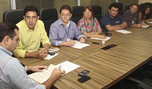 APEOC na SEDUC (07/5): Férias, Vale Alimentação, Ampliação Definitiva, Gratificação, Concurso…