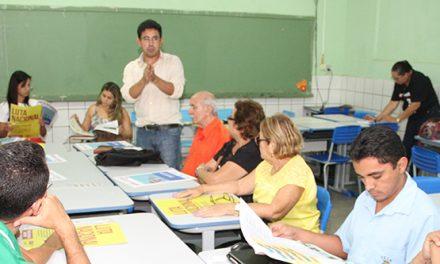 Canindé: APEOC visita escolas