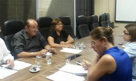APEOC na SEDUC (25/07/14): Salário, Benefício Alimentação, Gratificações, Ampliação, e outros…