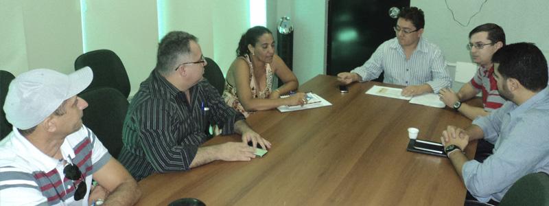 Sindicato recebe dirigentes municipais e procurador do município de Paracuru