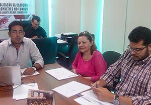 Presidente do Sindicato APEOC recebe representante de Jaguaruana