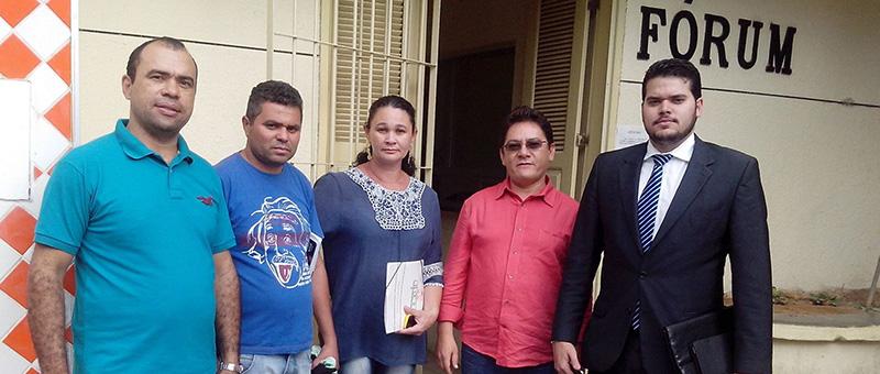 Pereiro recebe representantes do Sindicato APEOC