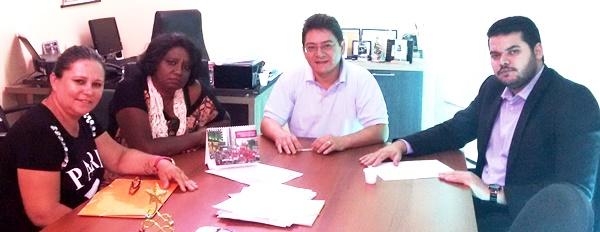 Comissão Municipal APEOC de Russas reúne-se em Fortaleza visando avanços