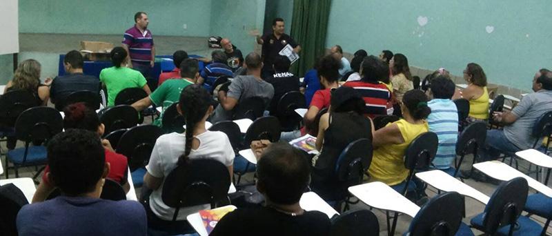 Sindicato APEOC realiza plenária com educadores de Juazeiro do Norte