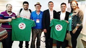 Delegação do Sindicato APEOC marca presença em reunião da CNTE