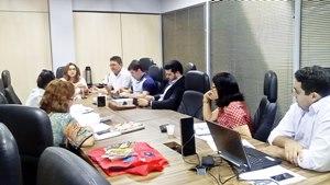 Coletivo de Educação Especial e Inclusiva da APEOC cobra providências à Seduc