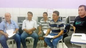 Sindicato APEOC realiza encontro com profissionais dos CEJAs para discutir mobilização da categoria
