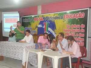 Profissionais dos CEJAs debatem realidade da Educação de Jovens e Adultos no Ceará