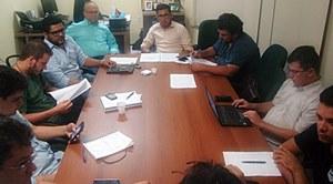 Gestores escolares se reúnem com direção do Sindicato APEOC para discutir portaria de lotação