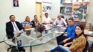 Sindicato APEOC negocia reajuste de 11,36% para professores de Ipu