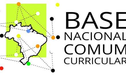 Trabalhadores da Educação e estudantes podem colaborar com a Base Nacional Comum Curricular