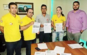 Sindicato APEOC recebe visita de servidores em greve do Ministério Público