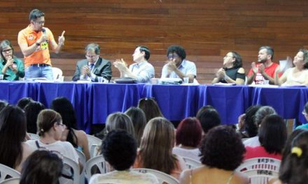 Sindicato APEOC compartilha experiência da luta em defesa do precatório do FUNDEF com servidores da Paraíba