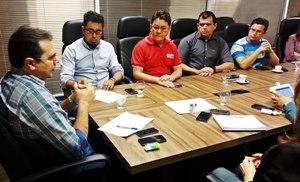 Direção do Sindicato APEOC tem reunião com secretário da Educação