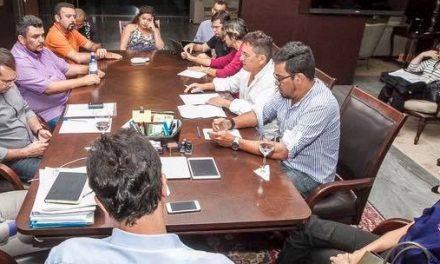 Sindicato APEOC tem audiência com governador Camilo Santana